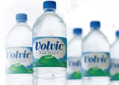 一瓶20元的水,广告得做成什么样