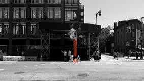 蒸汽小木屋横霸街头,艺术家什么都能干得出来