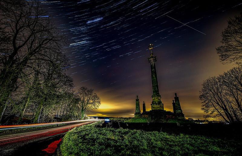 世界各地摄影师抓拍双子座流星雨瞬间