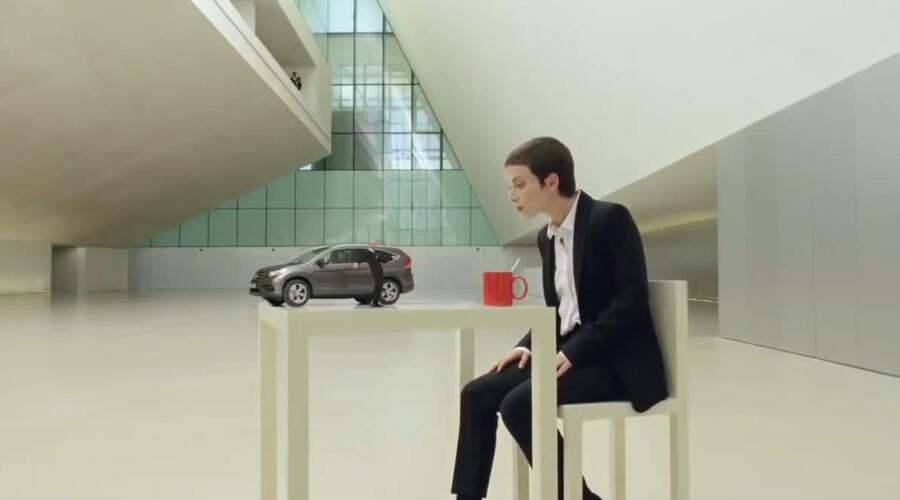 本田CR-V 立体绘画广告