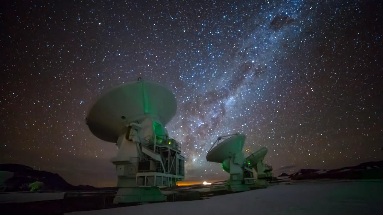 《阿塔卡玛天文台》夜景时间的集合