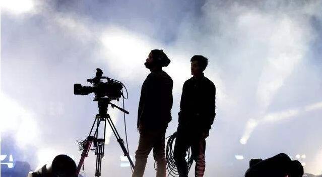 制片帮视频制作平台详解纪录片制作团队的工作流程