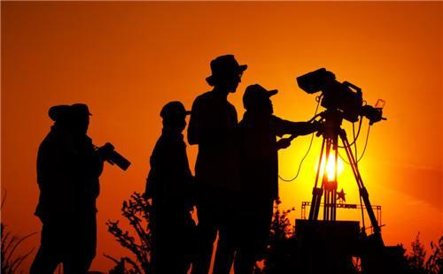 如何利用逆光拍摄优秀的企业微电影