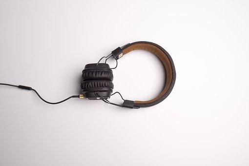 配音员如何训练音色和音量